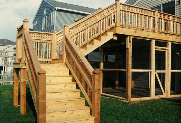 Wood Deck Builder in Crystal Lake IL