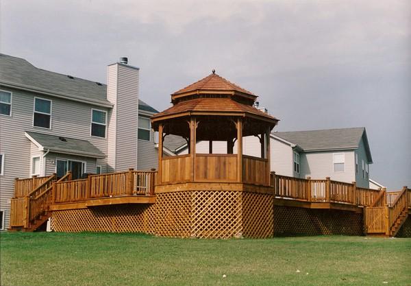Deck Design in McHenry IL